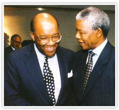 robert-j-brown_talking-to-mandela